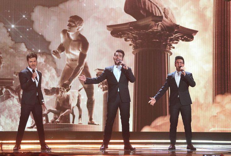"""Italien - Il Volo mit """"Grande amore"""" (KURIER/Franz Gruber) Mehr Bilder vom #ESC Finale finden Sie auf http://kurier.at/songcontest."""