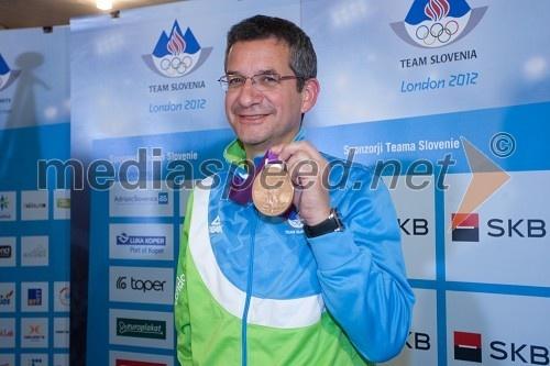 Rajmond Debevec, strelec z malokalibrsko puško (Olympics-bronze)