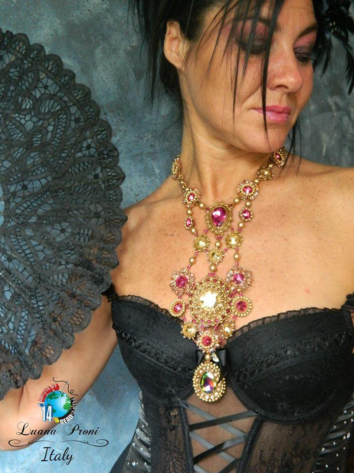 "BATTLE OF THE BEADSMITH 2014 https://www.facebook.com/groups/419636224777912/ Luana Proni: ""Lady Marmelade"" Model: Stefania Proni  https://www.facebook.com/photo.php?fbid=10152134550470079"