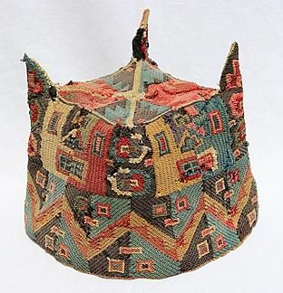 """Ritual """"four-pointed"""" hat Peru Culture Huari approx. 800 AD Made with camelid fibers. """"Four cardinal points represented were central in the pre-Colombian religions, particularly in the Huari culture that developed in its iconography the figure four in multiple binary oppositions and in imbricated visual dualities."""" Repinned by Elizabeth VanBuskirk"""