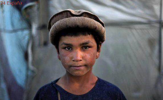 Afganistán penalizará los abusos sexuales a niños travestidos