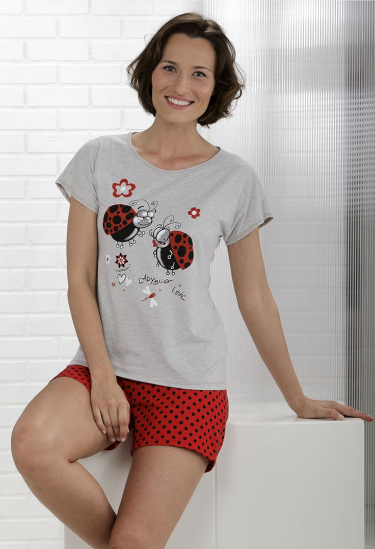 Pijama estampado mariquitas. Shorts a topos y camiseta con estampado. #Pijama #Massana #LadyBug #MassanaHomewear