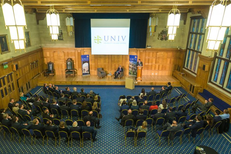Univ in the City event at The Chartered Insurance Institute, London - 3 May, 2017. Hosted by Univ OM Sian Fisher (1981, Law), with speaker John Cummins (1981, History) the former Group Treasurer of the Royal Bank of Scotland.