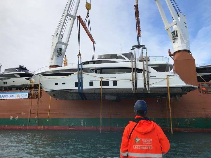 Prisbelönta Princess 35M på väg mot boot Düsseldorf 20-28 januari