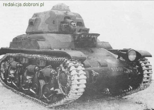 French Renault 35 tank in Polish service.