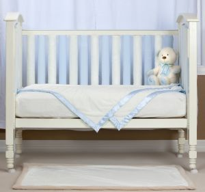 Wonder Bumper Pack in Blue and Cream -  allows superior air circulation (so reducing the risk of SIDS) whilst protecting your baby's head and body from the hard cot bars.