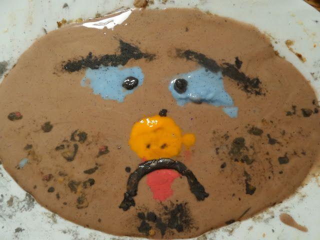 Akinajka Art For Kids: Ściskamy mączne buźki :) Zabawa z mąką ziemniaczan...