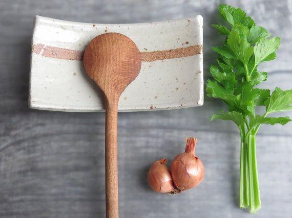 POSAMESTOLO poggia cucchiaio in ceramica utile accessorio in cucina Sushi piatto portasapone in grès by toscAnna #italiasmartteam #etsy