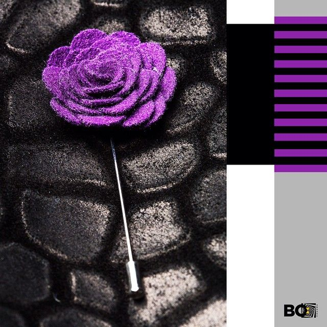 A pop of colour never goes wrong! Add a purple floral lapel pin like this one for a chiller sunday evening! Happy Sunday!  #productoftheday #accessories #lapel #lapelpin #bosquare #bespoke #sunday #purple #colour #mumbai #store #style #instafashion #instadaily #instastyle #fashion #menswear #mensfashion