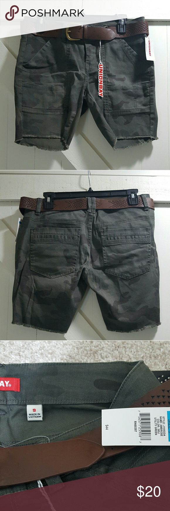 Unionbay Belted Camouflage Shorts Bermuda style. Somewhat stretchy. Never worn. Smoke free home. UNIONBAY Shorts Bermudas