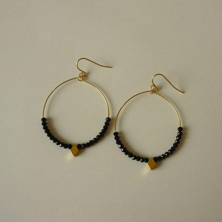 Boucles d'oreille fantaisie dorées de la marque Zag Bijoux, disponible sur Lullabi