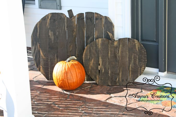Pallet Pumpkins A tutorial for making your own set of these fun easy and inexpensive pumpkins for your front porch fall decoration