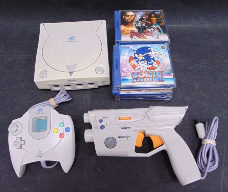 PAL Sega Dreamcast Games Console Bundle  #retrogaming #HotDC   With 8 Games: sonic Adventure THOTD2 Rayman 2 etc. Great starter pack. Auction from the UK.