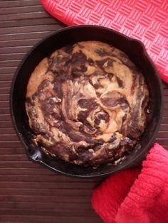 Bajos en carbohidratos, muy bajo índice glucémico, aptos para Trim Healthy Mama lista S Rinde para 4 porciones, molde pequeño Ingredientes para el brownie: ½ taza de cocoa alcalina clara 12% grasa …