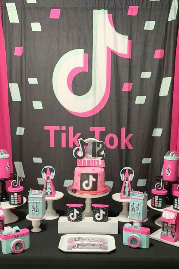 Tik Tok Birthday Party Ideas Photo 12 Of 13 Fiestas De Cumpleanos Para Adolescentes Pasteles De Cumpleanos Para Adolescentes Fiestas De Adolescentes