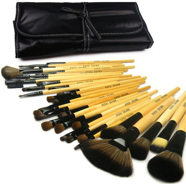 Bobby brown make up brushes!