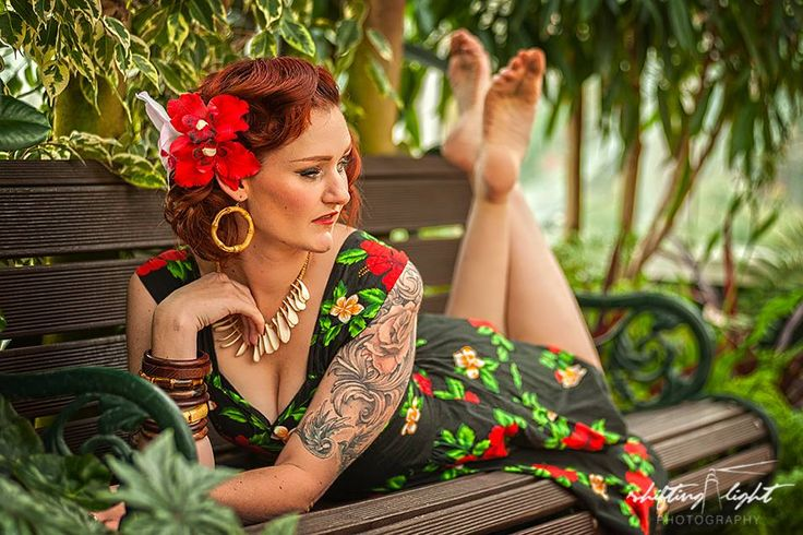 Relaxing on a tiki pinup shoot with Shifting Light Photography.