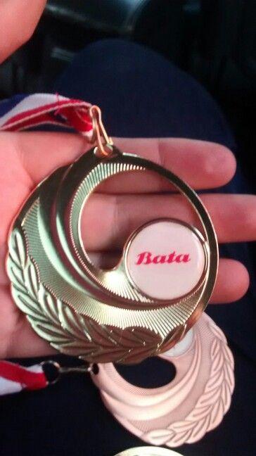 Medalla Oro con Dome.