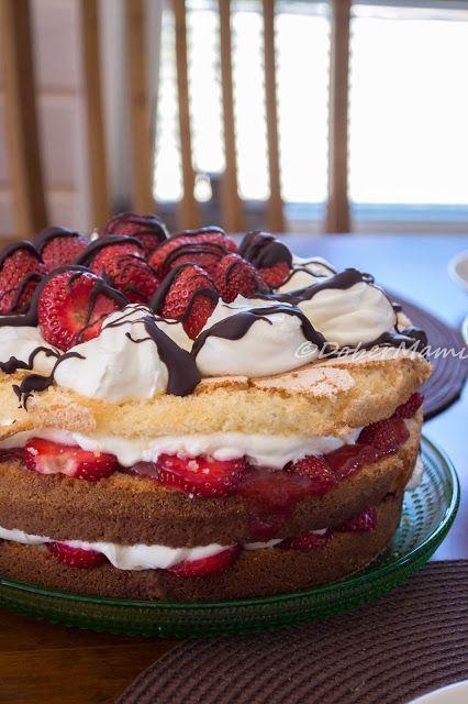 Baking / Naked cake / Strawberry / Chocolate