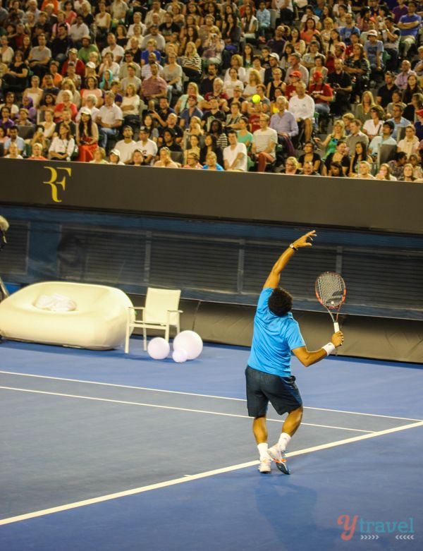 A night at the Australian Open tennis: Federer vs. Tsonga