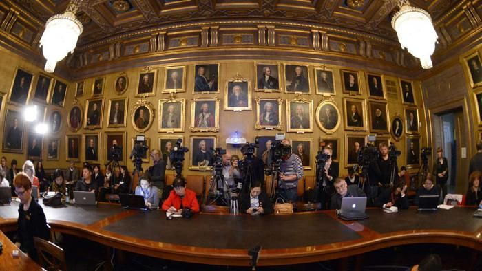 Nobelprijs natuurkunde naar Japanse uitvinders blauwe LED-verlichting - Buitenland - Voor nieuws, achtergronden en columns