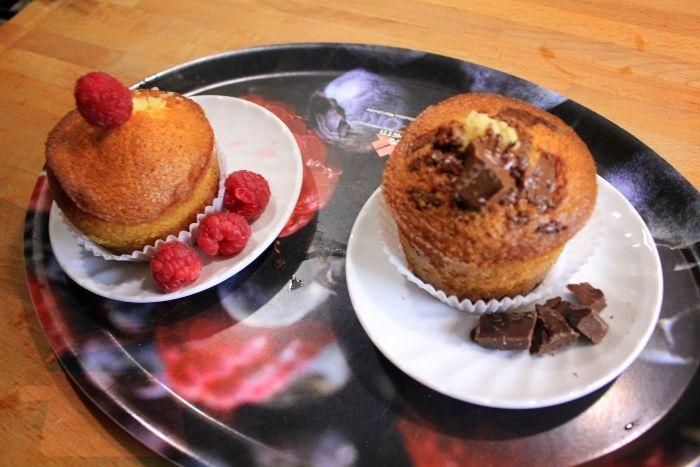 Muffin con gocce di cioccolato e mirtilli rossi
