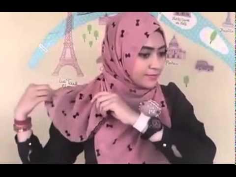 Cara Memakai Jilbab Segi Empat yang Simple untuk ke Kantor