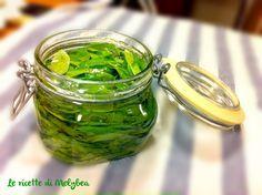 Ecco un metodo infallibile per CONSERVARE IL BASILICO e ottenere un meraviglioso olio aromatizzato! Come conservare il basilico sott'olio...