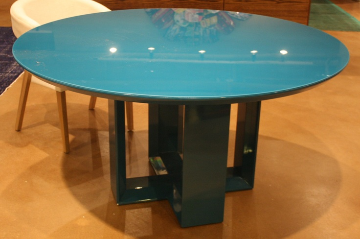 This Roberta Schilling blue lacquer table (located in interhall) is a showstopper!  Wish I had an entry big enough to take this beauty home with me!  #hpmkt