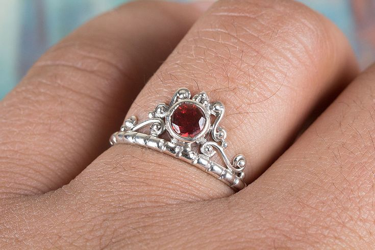 Silberringe - Granat Ring, Silber Granat Ring, Edelstein Ring - ein Designerstück von ArtisanJewellery bei DaWanda