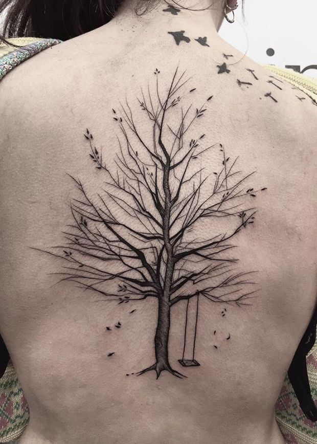 Frank Carrilho cria tatuagens impressionantes que misturam traços delicados e linhas caóticas com muito estilo. Confira seus sketches perfeitos na pele!