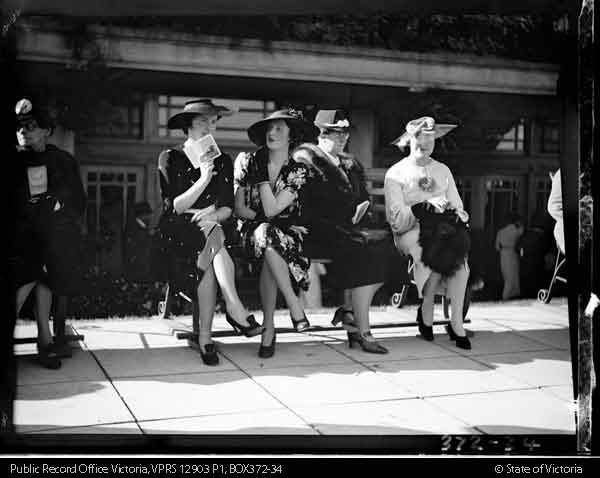 group of fashionable women, 1930s Melbourne