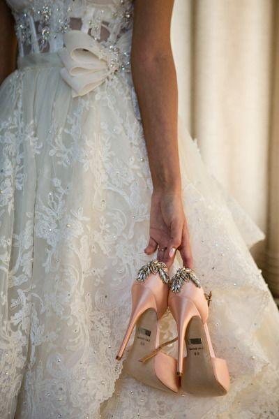 Glam on glam on glam: http://www.stylemepretty.com/canada-weddings/manitoba/winnipeg/2014/11/20/vintage-glam-winnipeg-wedding/ | Photography: Moore Photography - http://moorephotography.ca/