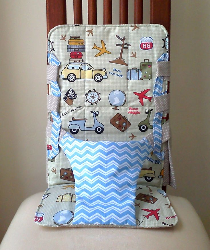 Cadeira de Alimentação Portátil. Pequeno Viajante. Kit Cadeira + Babador 100% algodão Universal - cabe em qualquer cadeira. * Para cadeira com circunferência do encosto, logo acima do assento, acima de 90 cm, adquira nosso acessório extensor. Conheça a opção de somente Cadeira. Leve na bo...