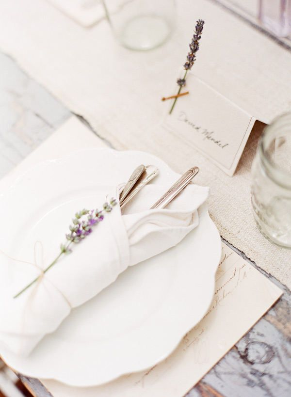 Lavender weddings - Love this place setting - so country chic!! Love the napkins!