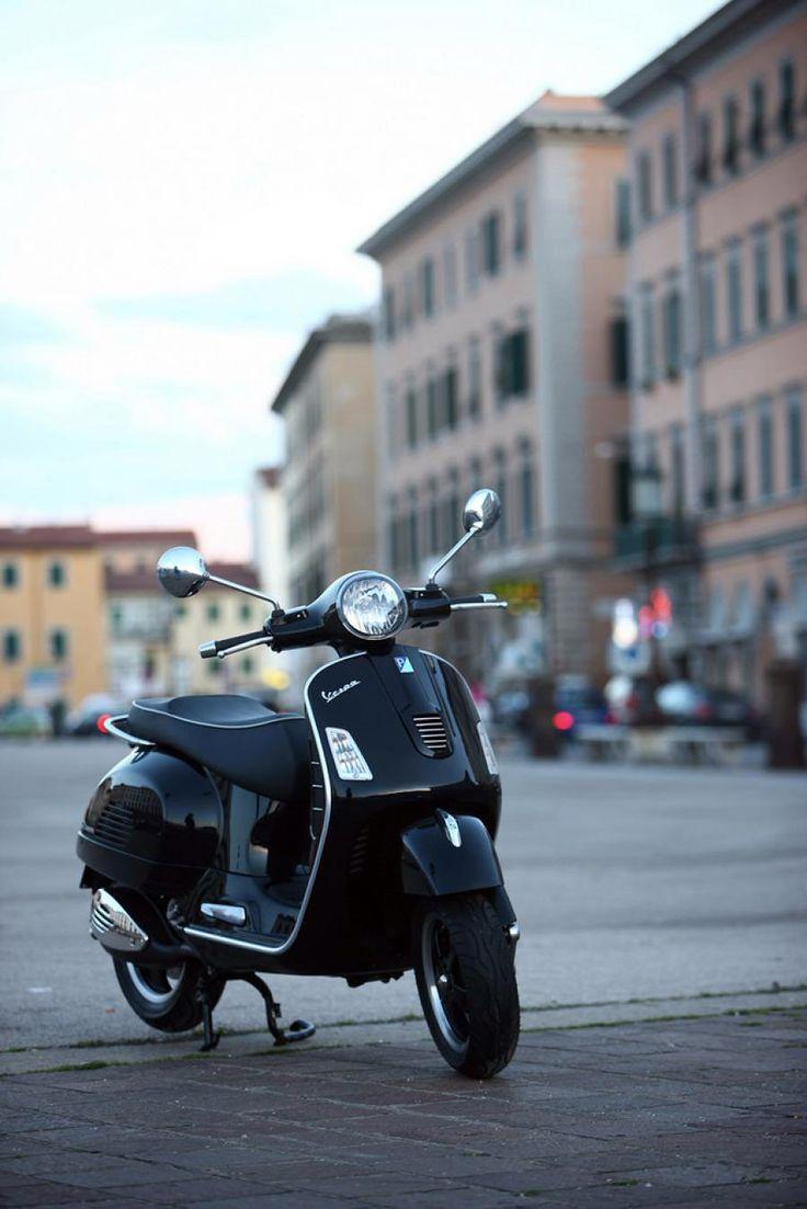 Vespa GTS 300 <3                                                                                                                                                                                 More