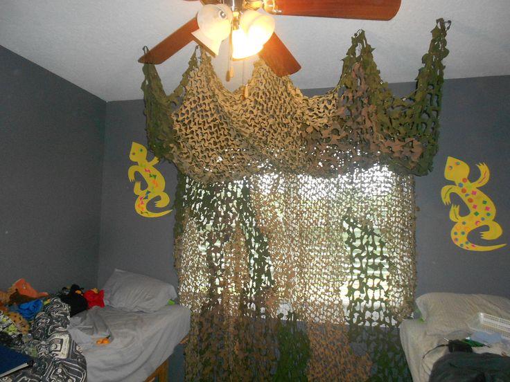 Camo net curtain in the boy's jungle bedroom.