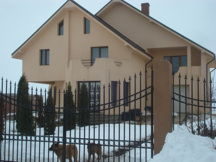 Casa noua- Luizi Calugara  http://imobiliarebacau.org/property/vila-noua-luizi-calugara/