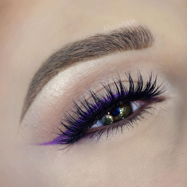 winged Colored liner, gorgeous purple eye makeup @afsoonmua (@houseoflashes Starlet, @anastasiabeverlyhills Brow Definer Soft Brown, @makeupaddictioncosmetics Amethyst (Flaming Love Palette)