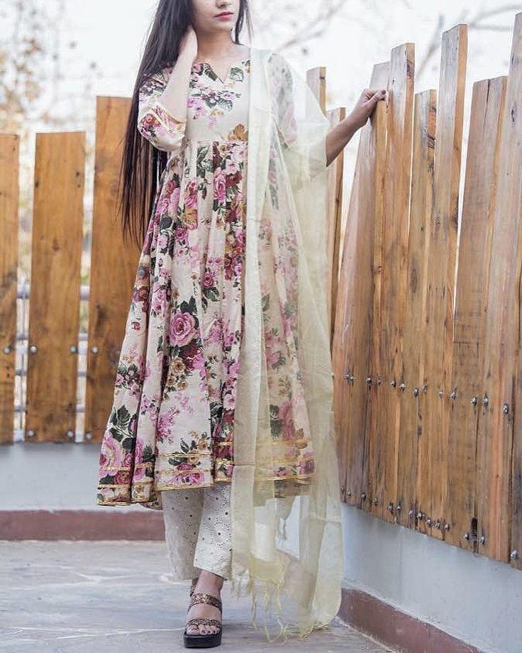 """613 Likes, 16 Comments - GulaboJaipur (@gulabo_jaipur) on Instagram: """"BEST SELLER OF @gulabo_jaipur cotton Kurta chikan pajama tissue dupatta #limitedstock #onlythebest…"""""""