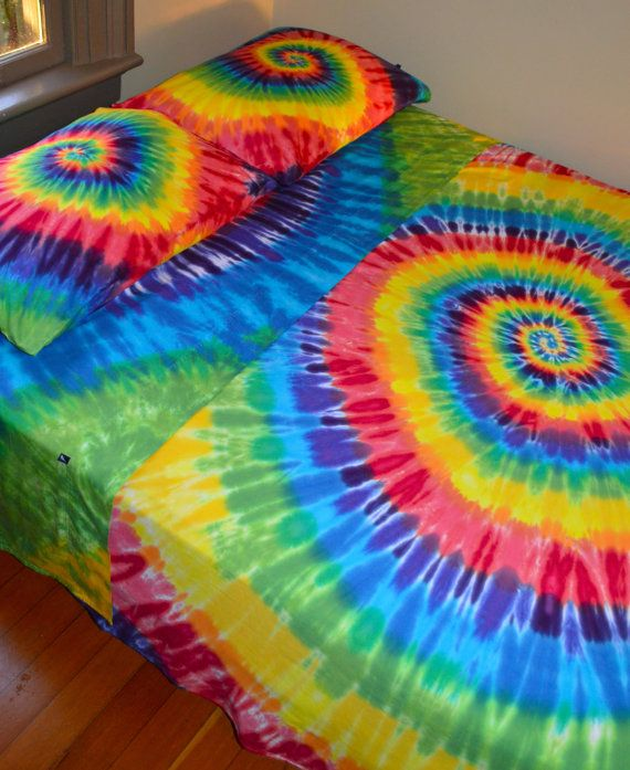 psychadelic sheet sets | ... Dyed King Sheet Set In Vibrant Tie Dye Colors - Psychedelic Bedding