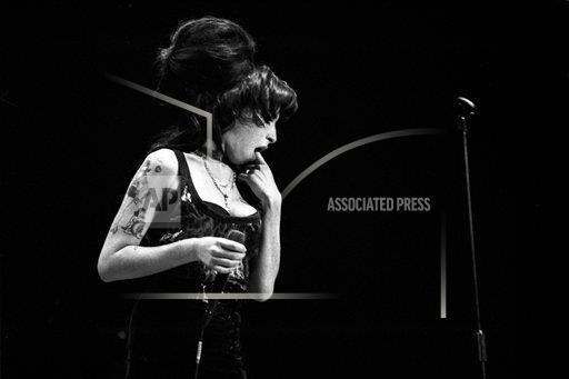 CorbisNP Copyright Mattia Zoppellaro/Hell Gate Media/Corbis / APImages I ENT West Midland UK 42-70374013 Amy Winehouse