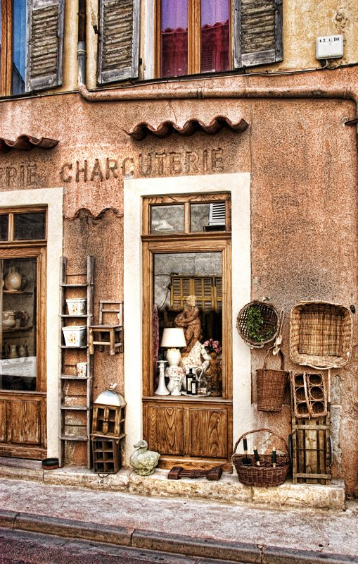 eclectic storefront, Provence