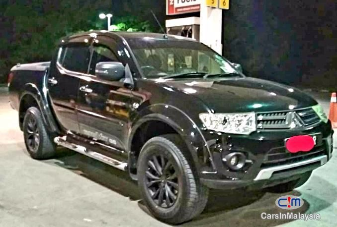 Mitsubishi Triton 4x4 Diesel Sambung Bayar Continue Loan Automatic 2014 Car For Sale In Semenyih For Rm 22 999 At Carsinmalay In 2020 Triton 4x4 Triton Cars For Sale