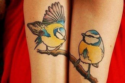 Pássaros em um ramo de intertravamento antebraço tatuagens http://tatuagens247.blogspot.com/2016/08/requintado-ligar-desenhos-de-tatuagem.html