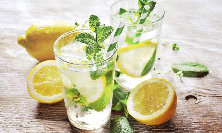Iets gezonder leven hoeft niet ingewikkeld te zijn. De ochtend beginnen met een glas warm water en een halve uitgeperste citroen, kan al wonderen doen voor je gezondheid en je uitstraling. Begin de ochtend voortaan met een glas (lauw)warm water en een schijfje citroen of een halve uitgeknepen citroen. Hoewel de meningen over het effect…