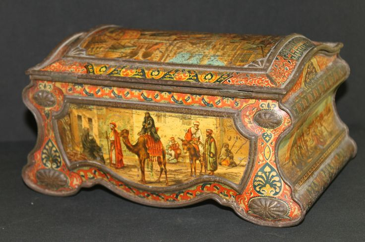 Magnificent huntley palmers antique biscuit tin