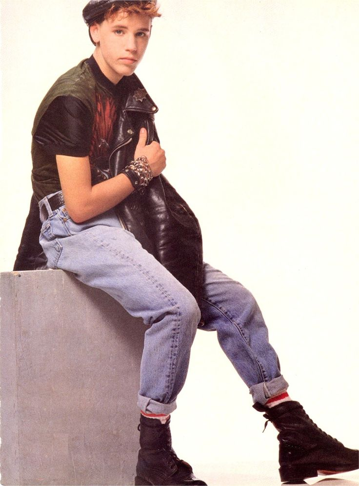 Corey Haim. Pegged jeans and boots