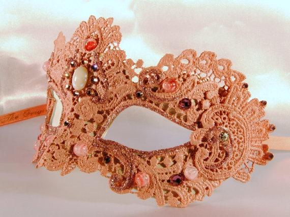 Pink macramé mask, masquerade mask, elegant maskMasks Victorian, Pink Venetian, Venetian Masks, Masks Pink, Masks Masquerades, Elegant Halloween, Masks Elegant, Elegant Masks