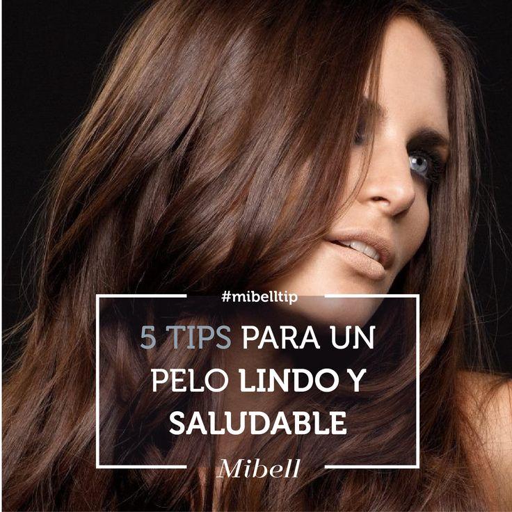 1) No frotes el shampoo al lavar el pelo: Frotar el cuero cabelludo hace que se activen las glandulas sebáceas y que el pelo se ensucie más rápido. Sólo reparte el shampoo por el cuero cabelludo sin frotar. 2) Cepilla tu pelo cuando está seco: Es el momento en el que está más fuerte y protegido. Es importante que empieces desenredando desde las puntas hacia arriba. 3) ¡Dile sí a los aceites!: Los tratamientos con aceite son lo único que puede reparar la fibra capilar del daño del secador de…